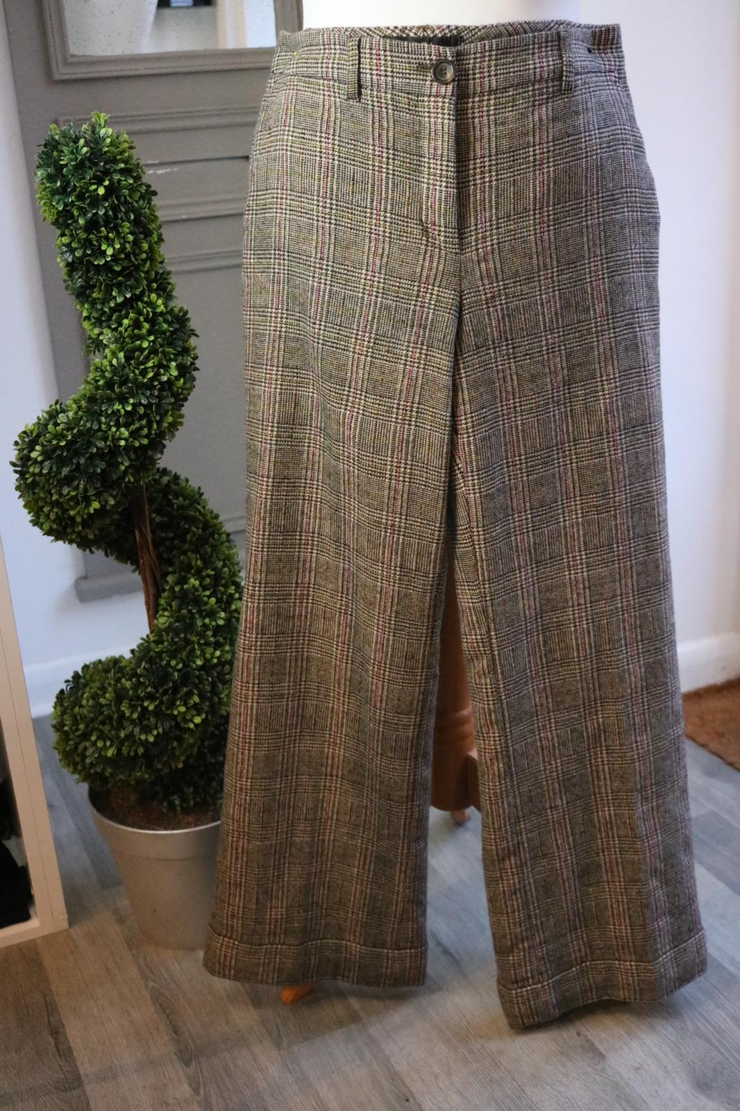 Marc Cain wool silk mix tweed trousers